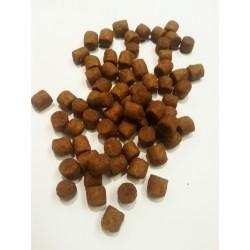 CLUB 4 ŁAPY - karma sucha dla psa. Dla psów dorosłych aktywnych. Minimum 30% mięsa i produktów mięsnych.