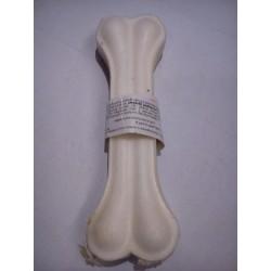 Kość prasowana biała ze skóry dla psa. 20cm. Dla dłuższego żucia. Podawana regularnie czyści zęby.