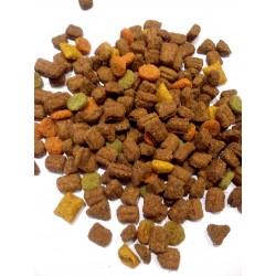 Whiskas ADULT TUŃCZYK - karma dla dorosłych kotów. Zawiera pyszne nadziewane poduszeczki .