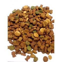 Whiskas ADULT CHICKEN - karma dla dorosłych kotów z kurczakiem. Zawiera pyszne nadziewane poduszeczki .